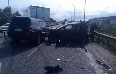Сотрудники полиции Артема проводят проверку по факту ДТП с участием трех автомашин
