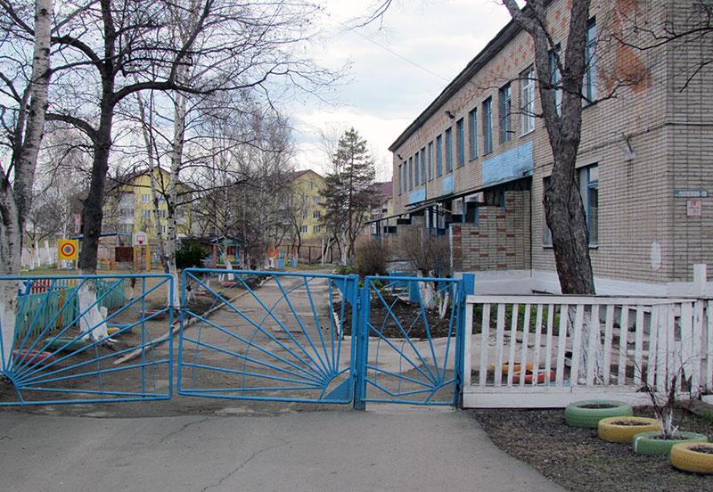 Прокуратура Артема провела проверку по факту падения ребенка из окна детского сада.