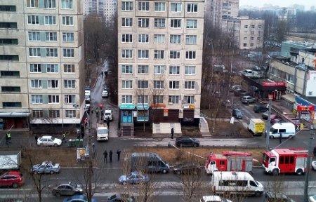 В жилом доме Санкт-Петербурга найдена и обезврежена бомба — СМИ.