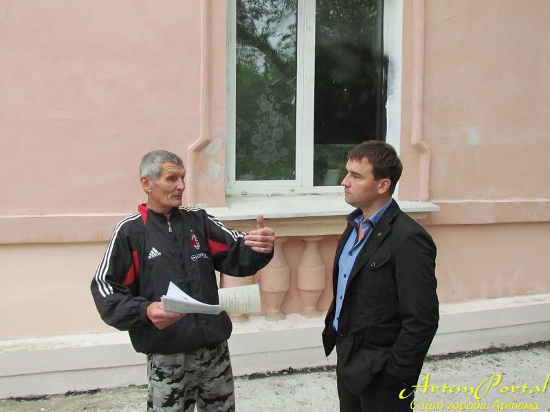 На осадном положении. Борьба пенсионера с руководителем управляющей компании Виктором Косенко продолжается 13 лет.