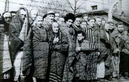 Бывшие узники Освенцима: На нас была вся грязь, которая скапливается на человеке.