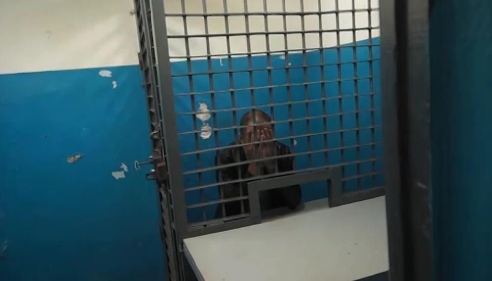 В Артеме задержаны подозреваемые ограбившие почтальона.