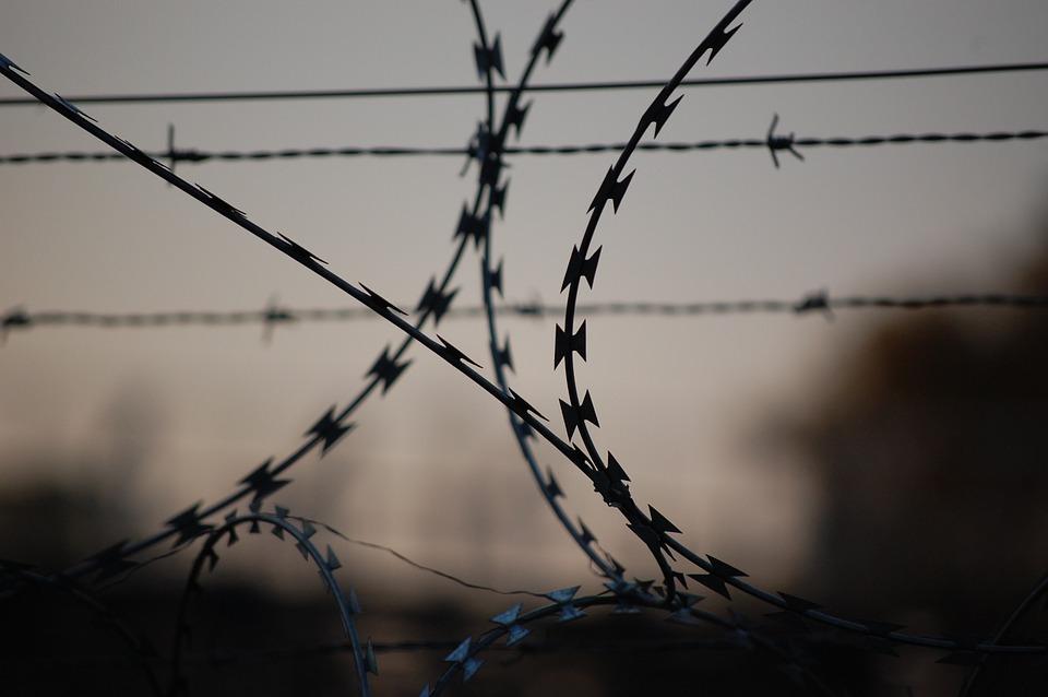 В Артеме бывший сотрудник ФСИН вымогавший взятки может оказаться за решеткой