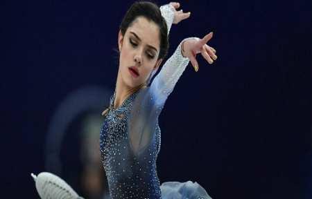Медведева установила новый мировой рекорд в короткой программе командного турнира.