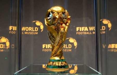 Кубок чемпионата мира по футболу FIFA-2018 выставят на центральной площади Владивостока 1 мая.