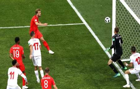 Дубль Кейна принес Англии победу.