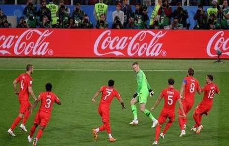 Англия ломает ход истории и отправляет Колумбию домой.