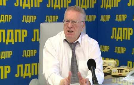 Владимир Жириновский предложил брать деньги за то, что автомобиль стоит в гараже.