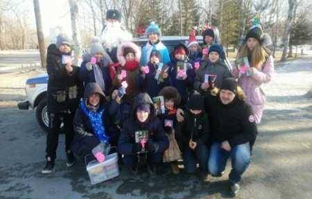 Полицейский Дед Мороз пожелал жителям Приморья удачи в Новом году.