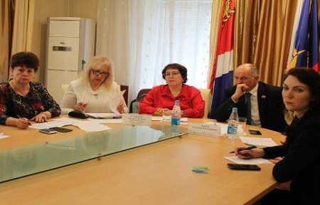 Людмила Талабаева провела прием граждан в Артемовском городском округе.