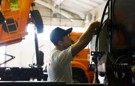 «Меркатор» начал выпуск автодорожной техники на заводе в Артеме.