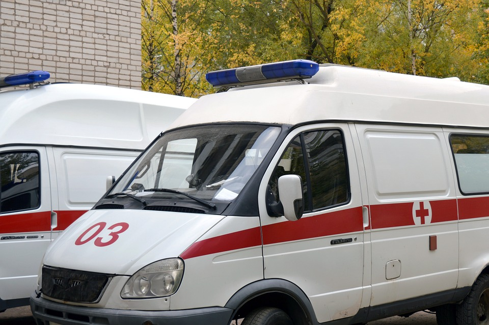 В Артеме пенсионер выпал из окна больницы