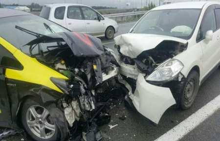 В Артеме произошло ДТП с участием трех автомашин.