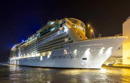 Во Владивосток зайдет самый большой в истории России круизный лайнер Spectrum of the Seas.