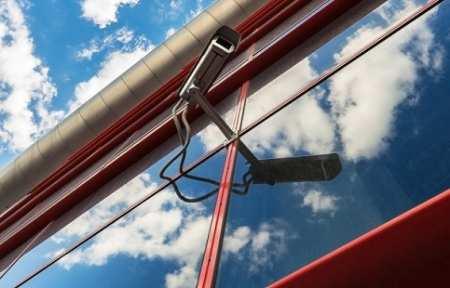 ОНФ предлагает перевоспитывать вандалов с помощью видеокамер.