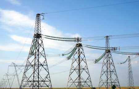 Губернатор Олег Кожемяко поручил упростить присоединение бизнеса к электросетям.